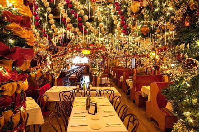 holiday-restaurant